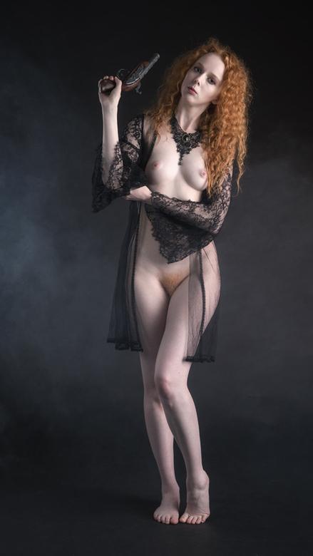 Anne Bonny, the redhead pirate - model Gem
