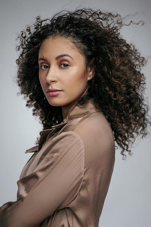 Pure Bronze - Portret - Model: Jasmijn Bronkhorst<br /> Visagie: Bruce Rademakers<br /> Styling: Jasmien Wederfoort<br /> Fotografie: Daniëlle Peet