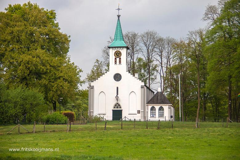 Kerkje in Hoenderloo - 20180424 0386 Kerkje in Hoenderloo