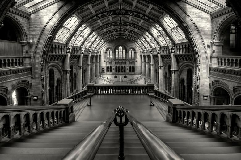 National History Museum - Het National History Museum te Londen. <br /> <br /> Om deze foto te maken zonder mensen op de voorgrond heb ik 3 bezoeken