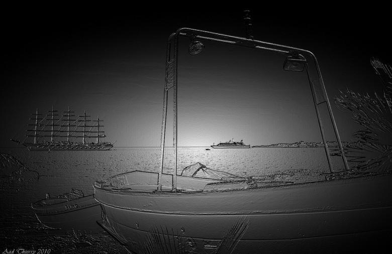 Moonlight - een gewone foto uit Taormina met een filter <br /> bewerkt ,de originele komt ook nog<br /> Groetjes Aad