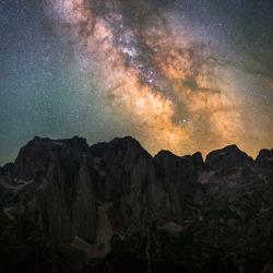 De nachtelijke lucht van de Balkan