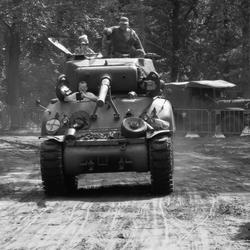 Sherman tank in Aktie