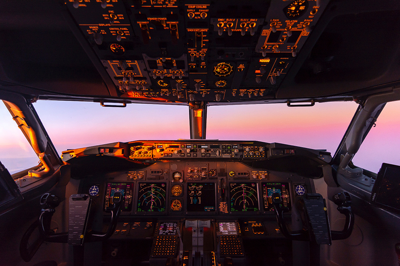 Sunset in the cockpit - Sunset during the flight back home.