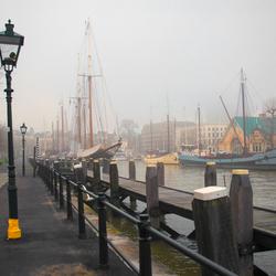 Veerhaven in de mist