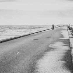 Alleen op de pier....