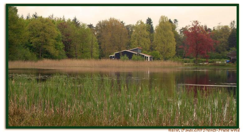 Paradijselijk wonen.....mijn wens - Deze foto is genomen bij een ven in het Drents-Friese Wold nabij Appelscha.<br /> <br /> Op de grens van Zuidwes