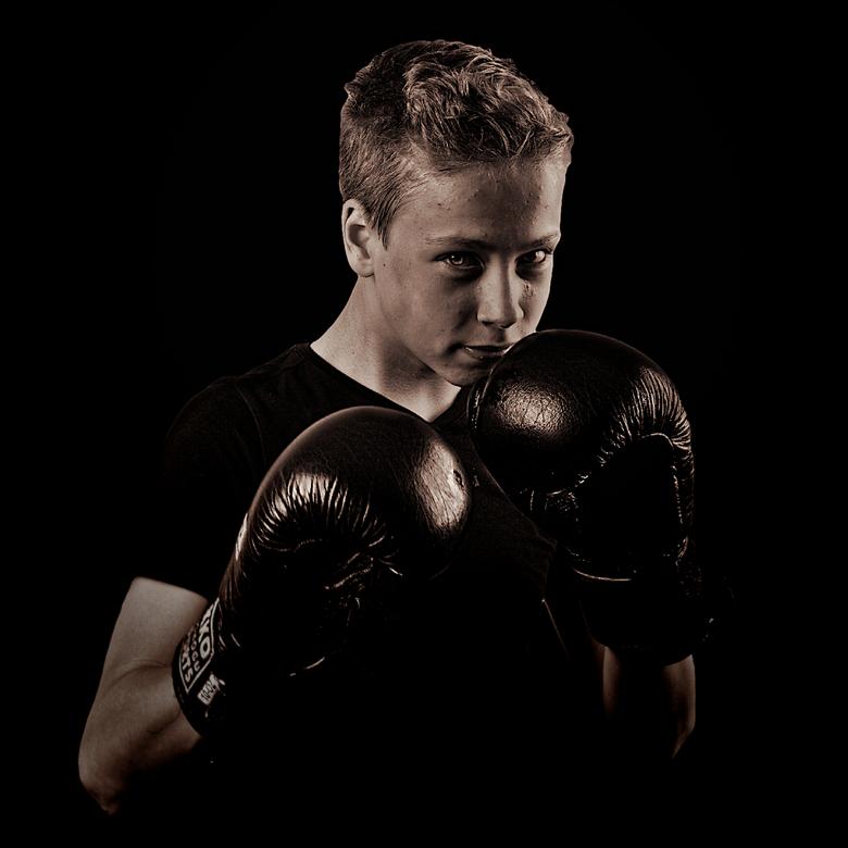 DSC_0435_clipped_rev_1 - Fotoshoot kickboxschool portretserie.