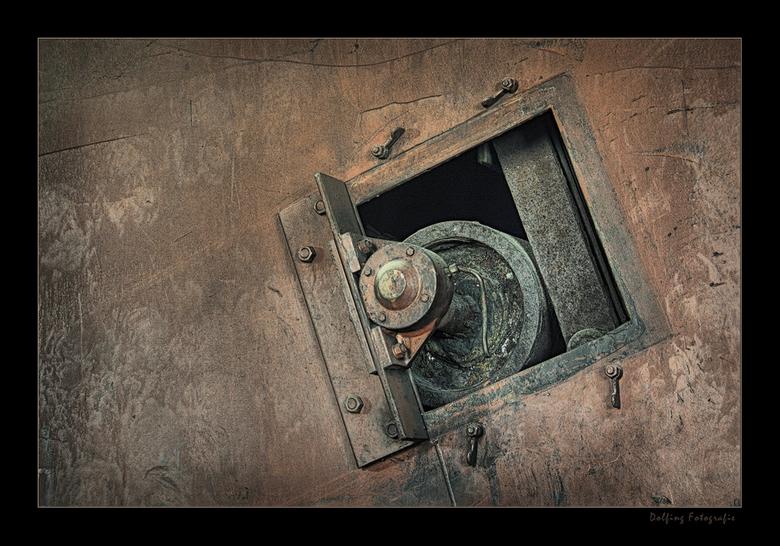 Urban Porthole - Ik blijf nog even wat tonen van mijn &#039;vangst&#039; tijdens de minizoom van Essen en Duisburg (D).<br /> Dit is een HDR detailfo