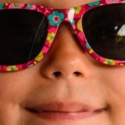 Roze zonnebril !