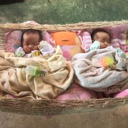 Twins in Cambodja
