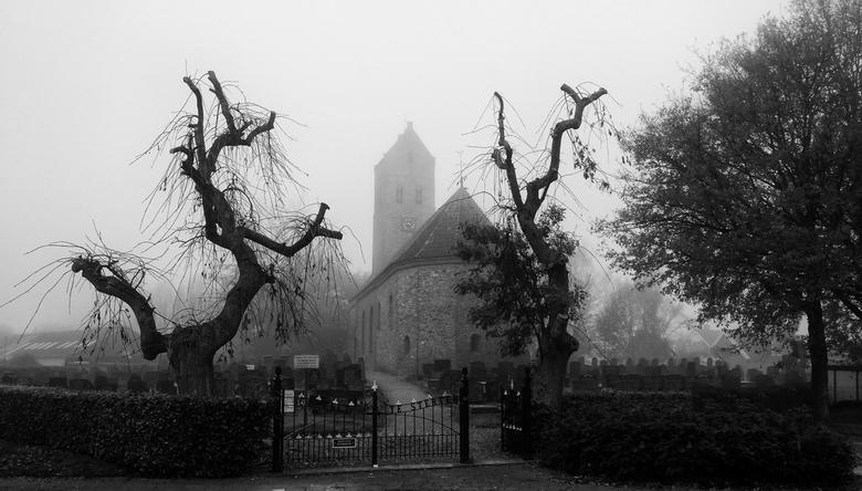 Sint Vitus Kerk Doezum in de Mist