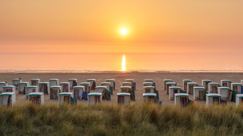 Katwijk aan zee - Na het werk nog even een zonsondergang meepakken. Wanneer mogelijk, de beste ontspanning!