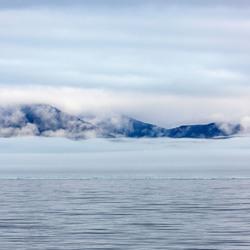 zee-ijs-mist-bergen spitsbergen