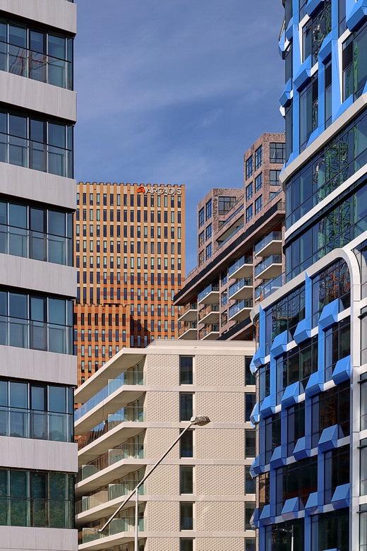 Zuidas Amsterdam. - De skyline van de Zuidas Amsterdam, een dagje architectuur fotografie gedaan<br /> <br /> 15 september 2019.<br /> Groetjes, Bo