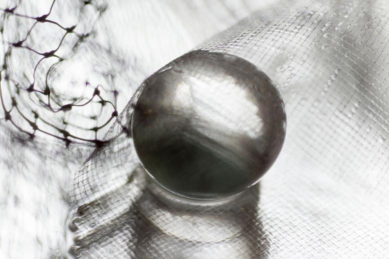 Gevangen - Onbewerkte foto, gemaakt met verschillende materialen.
