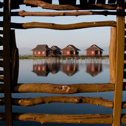 Octhend licht op Inle Lake