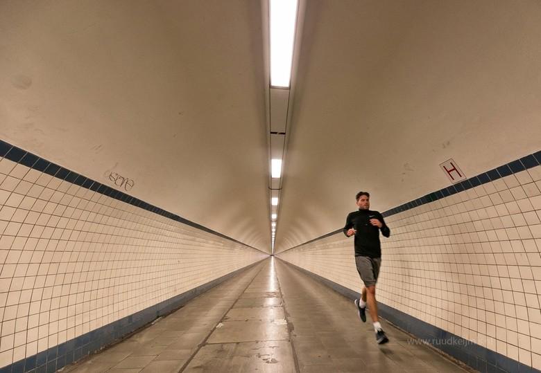 Tunnel run.... - Tunnel run....