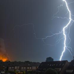 Onweer tijdens Brand in Ede