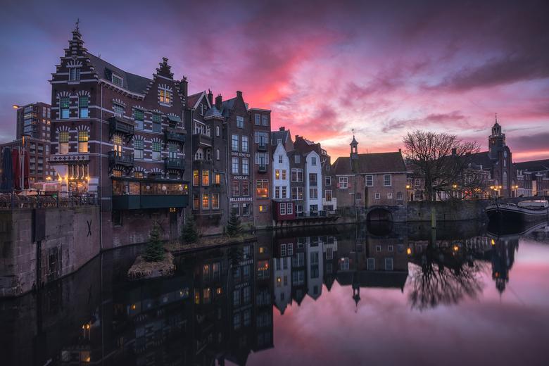 Zonsopkomst Delfshaven - Een mooie zonsopkomst op de laatste dag van het jaar, de mooiste manier op het jaar af te sluiten. Al een aantal keren in de