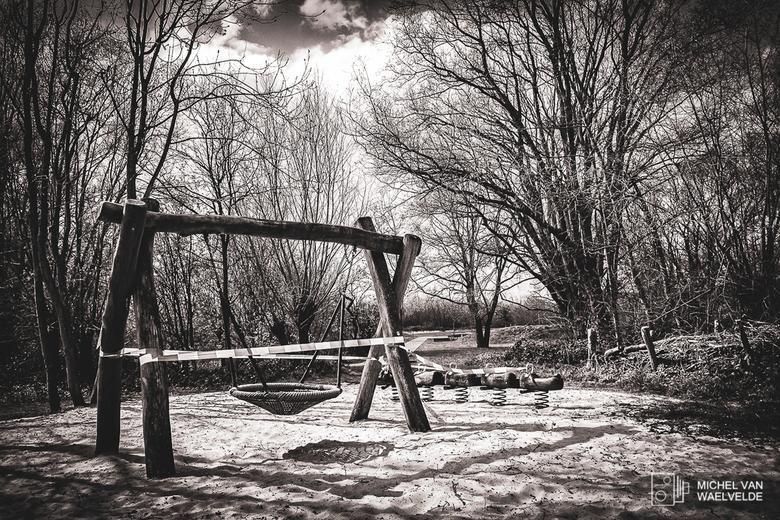 Quarantaine  - Verlaten speeltuin