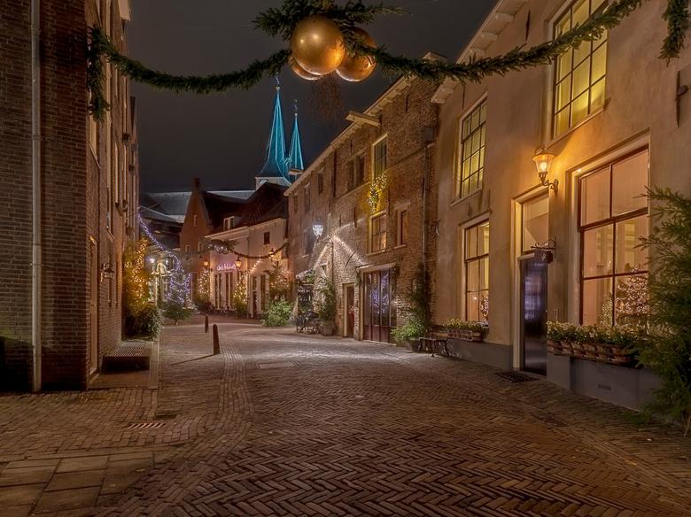 Deventer in Kerstsfeer.. - GisterAvond zag het weer er gunstig uit ik hoorde dat de stad Deventer nog in de Dickens/Kerstsfeer was er was geen twijfel