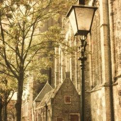Dordrecht lantaarnpaal bij de kerk