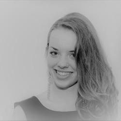 Model Laura.