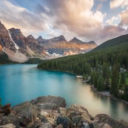 Zonsondergang aan Moraine Lake - Canada