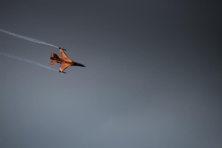 The skies turn Dark - F-16 Demoteam tijdens de Luchtmachtdagen 2013.