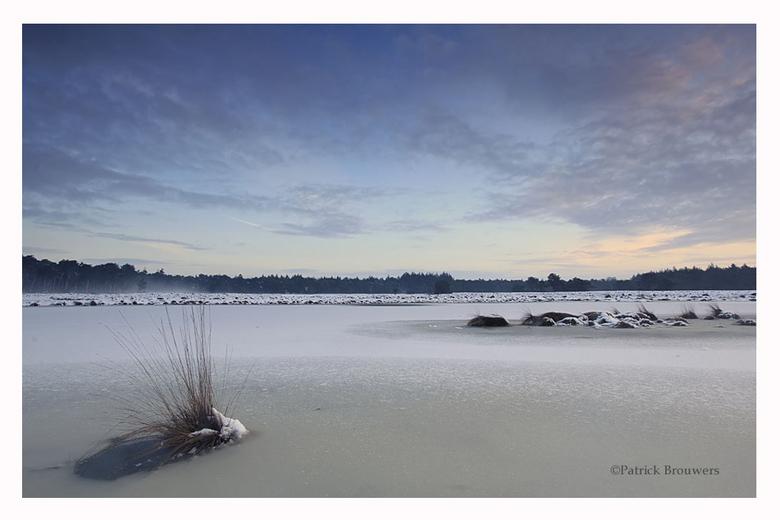 Brabants Winterlandschap. - Een koude wintermorgen bij een vennetje een paar kilometer van mijn huis.<br /> Bedankt voor jullie reacties op mijn vori