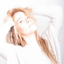 blond model Jip