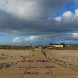 P1300929  GELUKKIG NIEUWJAAR strand vluchtenburg 6 dec 2014