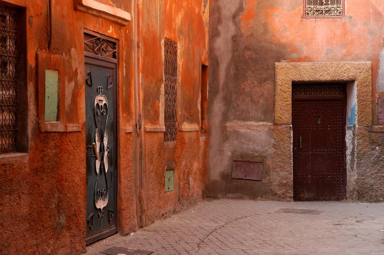 Warme kleuren - Warme kleuren geven de straten in Marokko een apart gevoel.