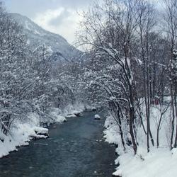 Een winters beekje