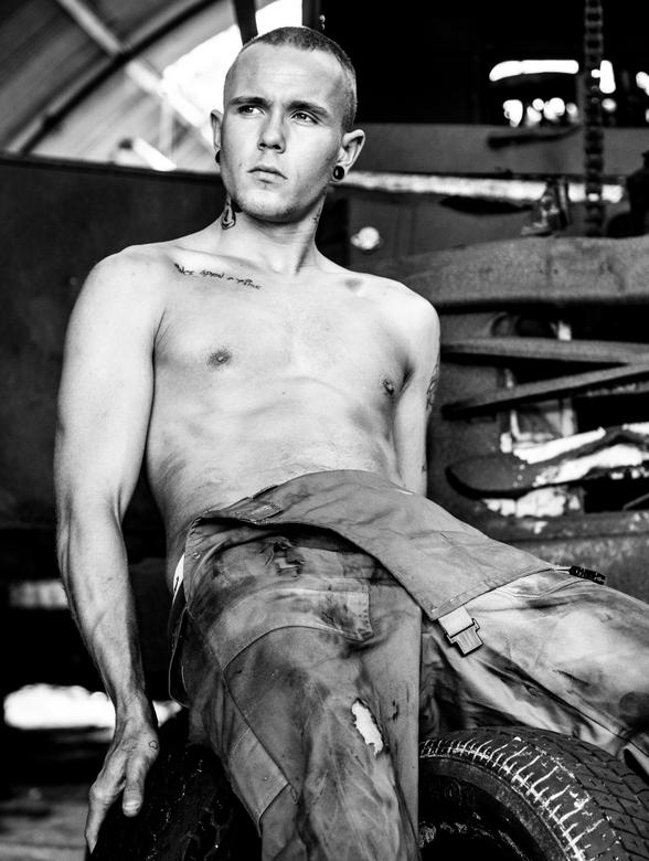 carmechanic - model: Mark Boender
