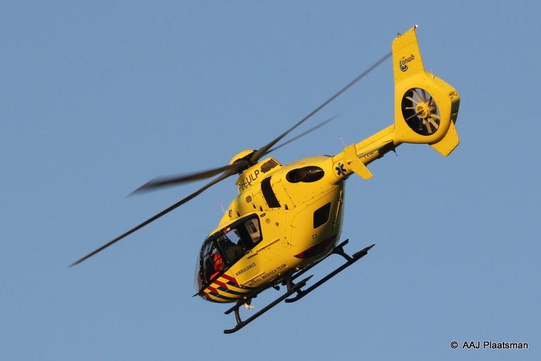 PH-ULP (40) - De PH-ULP weer opweg naar zijn /haar thuisbasis nadat er een trauma arts was opgehaald uit het Flevoziekenhuis