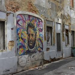 Kunst in een steegje in Lissabon