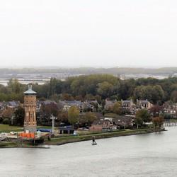 P1040607  Dordrecht van boven nr3 Watertoren Zwijndrecht 23okt 2018