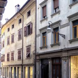 1 van de vele straatjes in Udine