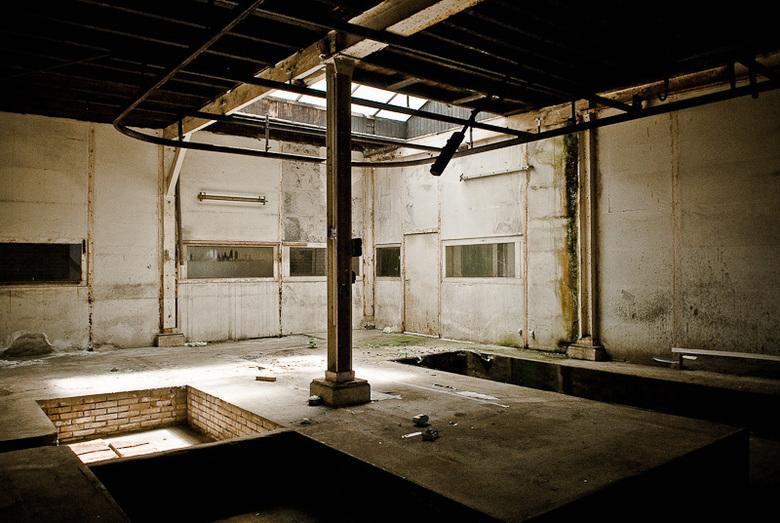 Chromerij in verlaten oude fabriek - Chromerij in verlaten oude fabriek
