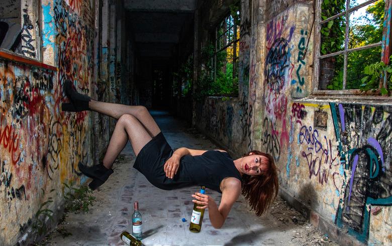 levitation, shoot in Luik