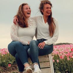 samen lachen, vriendschap
