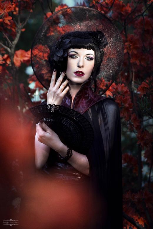 Cadavre Exquis Couture - Eentje van onze spontane shoot tijdens de picnic op WGT.<br /> <br /> Photo: Paige Addams<br /> Model   mua&amp;h   stylin