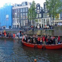 Koningsdag te water in Amsterdam