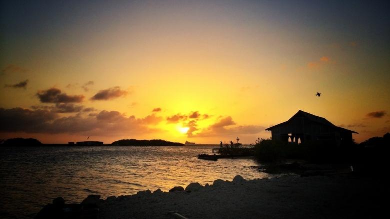 Sunset on Aruba - Het blijft toch een mooi fenomeen, maakt niet uit waar je bent op de wereld!