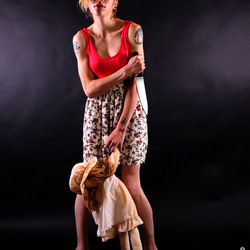 het meisje en haar pop