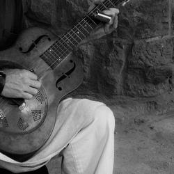Play my guitar