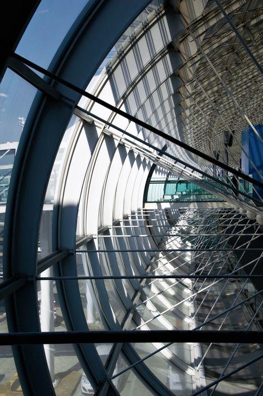 vliegveld  - De internationale luchthaven Parijs-Charles de Gaulle.<br /> Mijn vliegtuig had een vertraging van bijna 2 uur dus dan de camera gepakt
