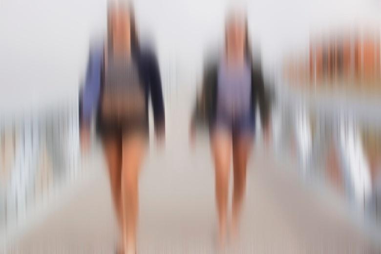 The boulevard ... - Geweldig veel dank voor de reactie&#039;s bij de vorige foto&#039;s.<br /> <br /> Vergroot kijkt gewoon veel beter ...Girls go